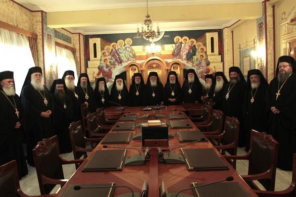 Η Ιερά Σύνοδος στράφηκε κατά ΣΥΡΙΖΑ και Ποταμιού για την Τήνο