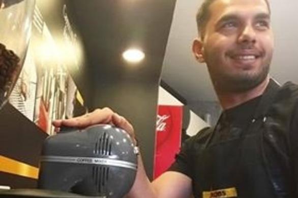 Πάτρα: Νεαρός βρήκε πορτοφόλι με 5.000 ευρώ και το παρέδωσε στην Αστυνομία
