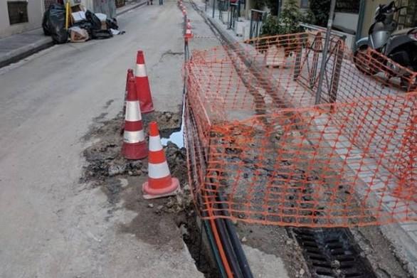 Πάτρα: Διαρροή νερού στην οδό Φιλοποίμενος (pic+video)