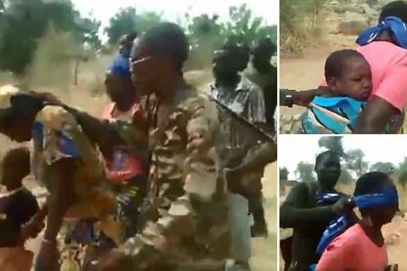 Εν ψυχρώ εκτέλεση γυναικόπαιδων στο Καμερούν - Προσοχή σκληρές εικόνες (video)