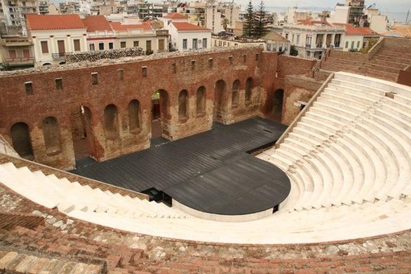 """Πάτρα: Δεν έχει σχέση ο Δήμος και το Διεθνές Φεστιβάλ με τις """"Εκκλησιάζουσες"""""""