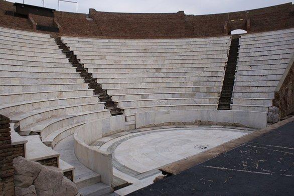 """ΥΠΠΟΑ προς Δήμο Πατρέων: """"Αναγνωρίζουμε τη συμβολή σας στη χρήση του Ρωμαϊκού Ωδείου"""""""