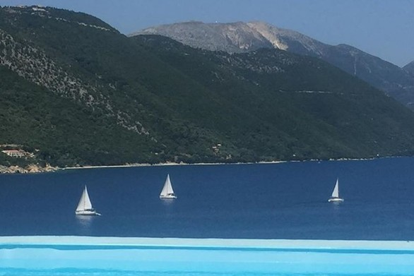 """Ένα """"κρυμμένο νησάκι"""" 3 ώρες από την Πάτρα για να περάσετε υπέροχα! (pics+video)"""
