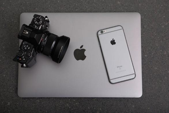 Ισχυρά τα τριμηνιαία αποτελέσματα της Apple