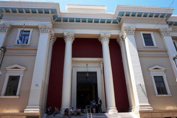 Πάτρα: Ποινή φυλάκισης στον υπεύθυνο ξενοδοχείου που έριχνε λύματα στη θάλασσα