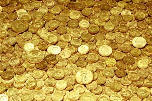 """Αχαΐα - Τα βαρέλια με τις λίρες και το """"χρυσό"""" μυστικό ενός αγρότη"""