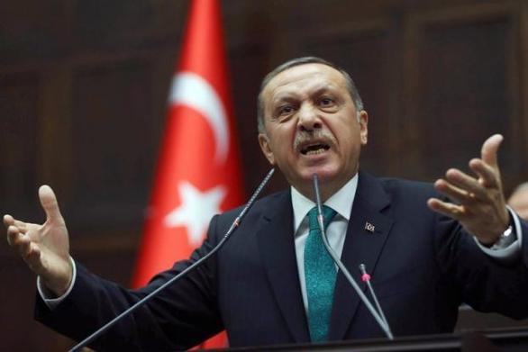 """Ερντογάν: """"Η επίθεση στην οικονομία είναι επίθεση στη σημαία"""""""