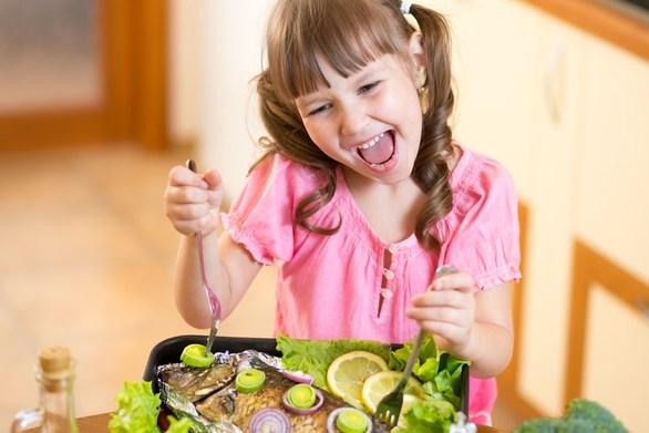 Μάθετε πόσο συχνά πρέπει να τρώει ψάρι ένα παιδί