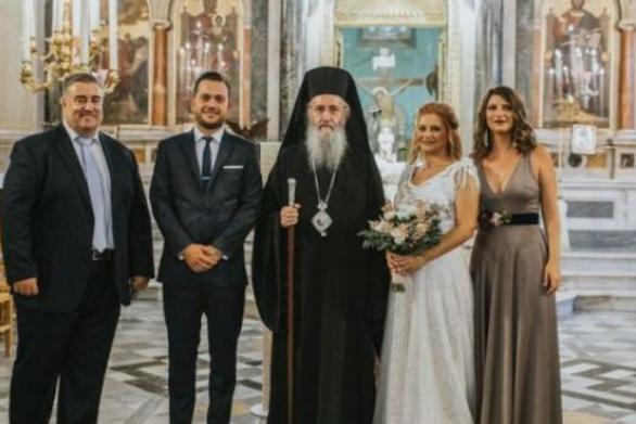 Πάτρα: Ανέβηκε τα σκαλιά της εκκλησίας ο Νίκος Θεοδωρόπουλος - Ένας υπέροχος γάμος! (pics)