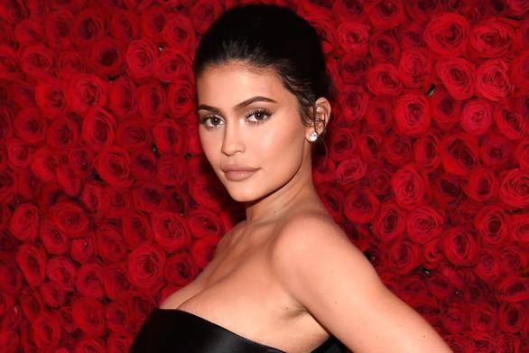 H Kylie Jenner δείχνει στο Instagram την τεράστια βίλα της (φωτο)