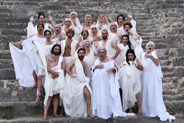 """Οι """"Εκκλησιάζουσες"""" στην Πάτρα - Μία κωμωδία που φέρνει στο προσκήνιο τις γυναίκες!"""