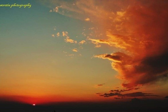 """Το """"νέφος"""" που χάρισε μοναδικούς χρωματισμούς στον ουρανό της Πάτρας! (pics)"""