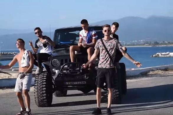 Η επόμενη γενιά των youtubers μιλά με μουσική και προβάλει την Κυπαρισσία (video)
