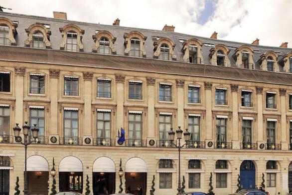 Παρίσι: Έκλεψαν τα κοσμήματα πριγκίπισσας από σουίτα ξενοδοχείου