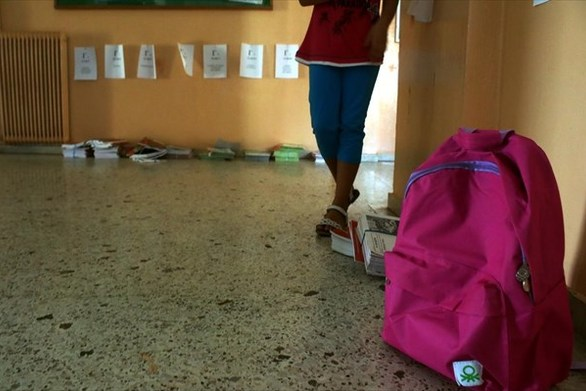 """Πάτρα: Το μέτρο της """"τσάντας στο σχολείο"""" φέρνει... πλαστικές σακκούλες!"""