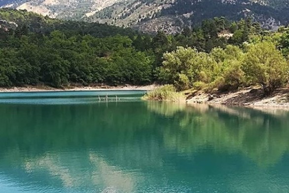 """Λίμνη Τσιβλού - Ο μικρός """"παράδεισος"""" της Αχαΐας που """"γεννήθηκε"""" από μια καταστροφή (pics)"""