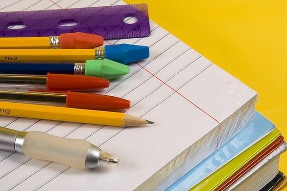 Πάτρα: Το σύγχρονο σχολείο δεν βγαίνει με μολύβι και γόμα - Ατέλειωτη η λίστα των ειδών