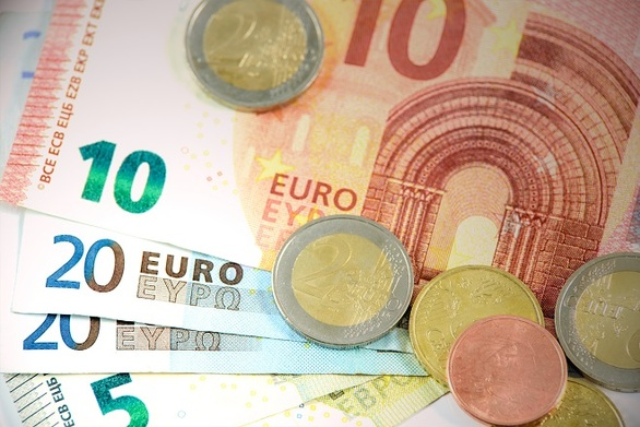 Στα 286,6 εκατ. ευρώ οι οφειλές του Δημοσίου τον Ιούλιο