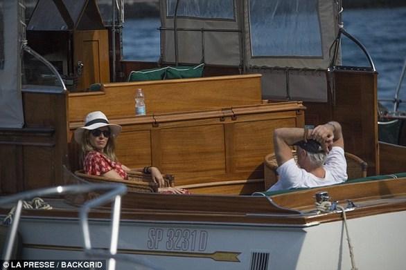 Richard Gere - Διακοπές στην Ιταλία με τη σύζυγό του (φωτο)