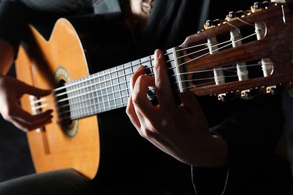 Ζητούνται καλλιτέχνες & μουσικά συγκροτήματα να εργαστούν στην μοναδική μουσική σκηνή της Πάτρας!