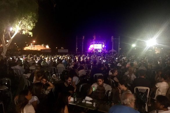 Πάτρα: Πλήθος κόσμου στην πρώτη μέρα του φεστιβάλ της ΚΝΕ (pics)