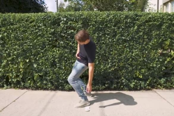 50 διαφορετικοί τρόποι για να πιάσεις χρήματα που βρήκες στο δρόμο (video)