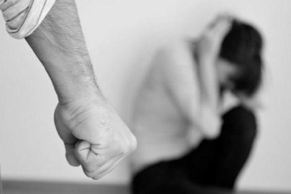 Αγρίνιο: 51χρονος χειροδίκησε σε βάρος της συζύγου και του ανήλικου γιου του
