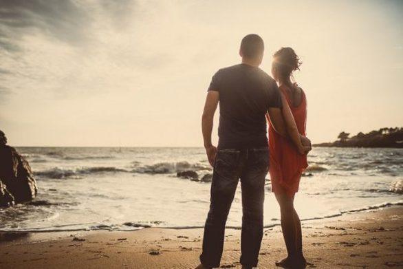 Τα 22 πράγματα που μια γυναίκα απαιτεί να κάνει ο σύντροφός της (φωτο)