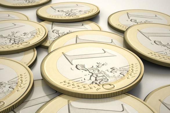 H διαμάχη ΕΕ - Ιταλίας ρίχνει το ευρώ