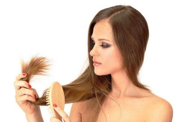 Τα μυστικά του σωστού χτενίσματος για να μη σπάνε τα μαλλιά σας