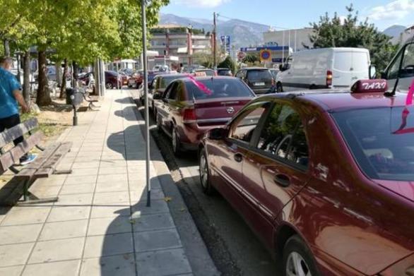 """Ροζ κορδέλες στα ταξί της Πάτρας για το """"Άλμα Ζωής"""""""