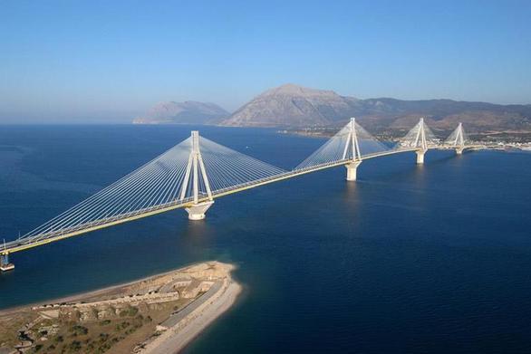 Πάτρα: Η Γέφυρα Ρίου - Αντιρρίου δεν μπορεί να περάσει στο Ελληνικό δημόσιο!