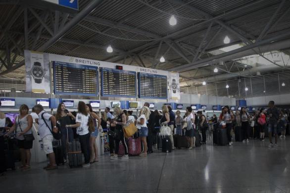 Χωρίς βίζα θα ταξιδεύουν οι Έλληνες πολίτες στις ΗΠΑ