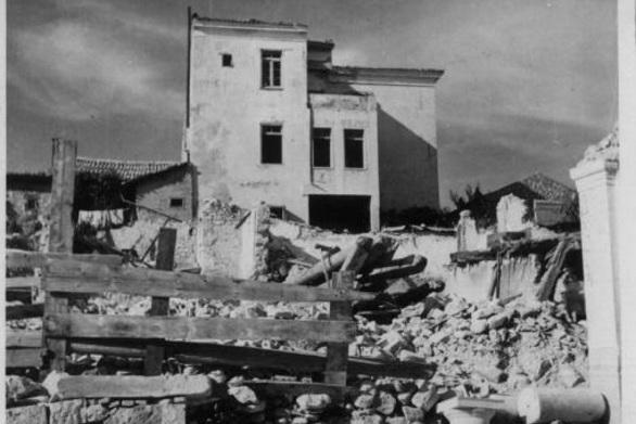 Η πρώτη μέρα των βομβαρδισμών στην Πάτρα (vids)