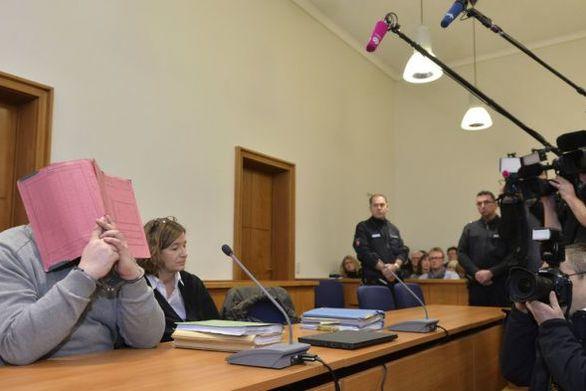 Γερμανία: Ξεκίνησε η δίκη για το νοσηλευτή που κατηγορείται για τον θάνατο τουλάχιστον 100 ασθενών
