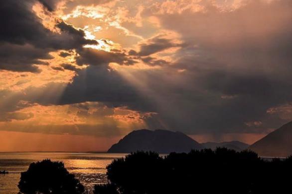 """Εκεί που ο ήλιος πάει να """"σβήσει"""" στην Πάτρα (pics)"""