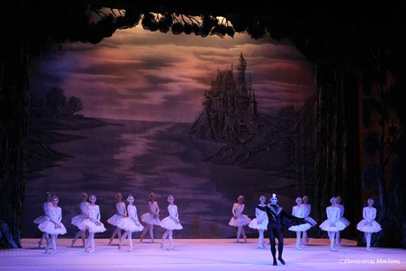 "H ""Λίμνη των Κύκνων"" - Μια διάσημη ιστορία αγάπης έρχεται στην Πάτρα (pics)"