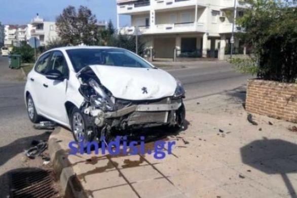 Αγρίνιο: Σοβαρό τροχαίο με σύγκρουση αυτοκινήτων