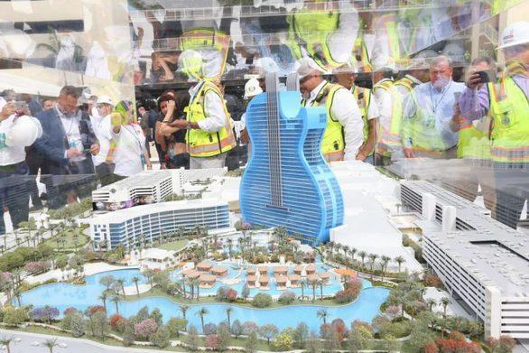 Ένα εντυπωσιακό ξενοδοχείο σε σχήμα κιθάρας