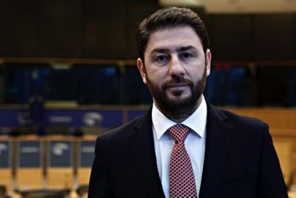 """Νίκος Ανδρουλάκης: """"Προφανής κοροϊδία η εξαγγελία για 10.000 προσλήψεις"""""""