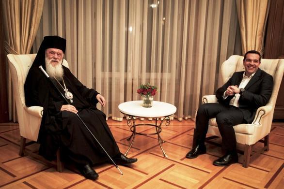 """Στους """"μνηστήρες"""" για την Αρχιεπισκοπή ο Μητροπολίτης Πατρών Χρυσόστομος"""
