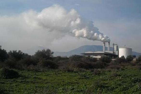 Δυτική Αχαΐα: Τα φουγάρα του πυρηνελαιουργείου άρχισαν και πάλι να καπνίζουν