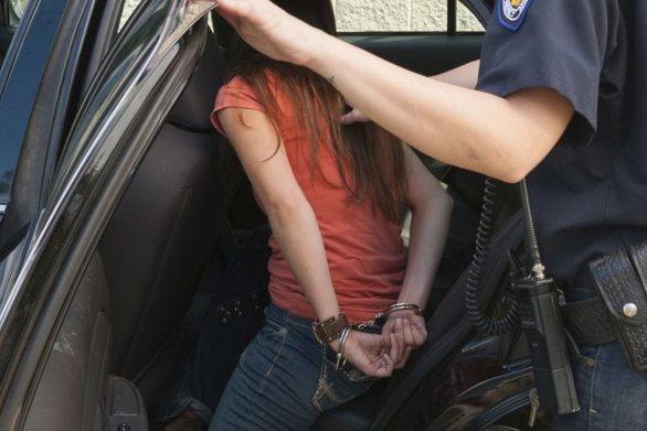 """Συνελήφθη 27χρονη που """"ξάφριζε"""" γυμναστήρια στην Πάτρα"""