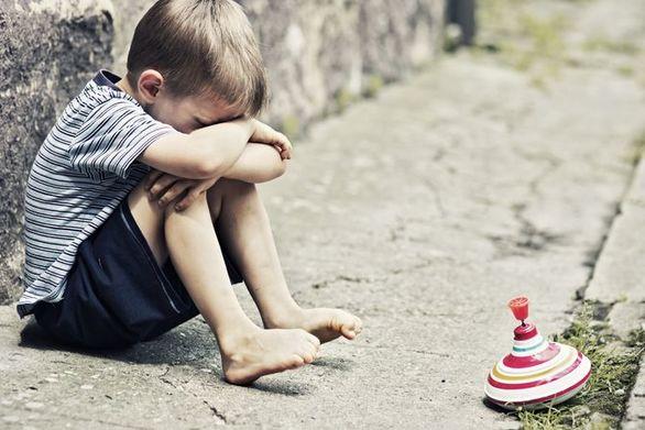 Στοιχεία-σοκ: 4 στα 10 παιδιά στην Ελλάδα ζουν μέσα στις στερήσεις