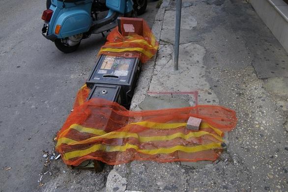 Ξήλωσαν τα παρκόμετρα στην Πάτρα - Έρχεται η σειρά των τηλεφωνικών θαλάμων
