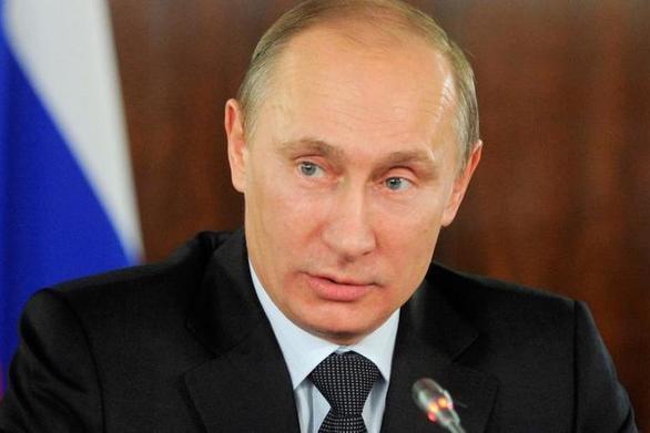 """Πούτιν: """"Δεν σχεδιάζω να πάω πουθενά"""""""