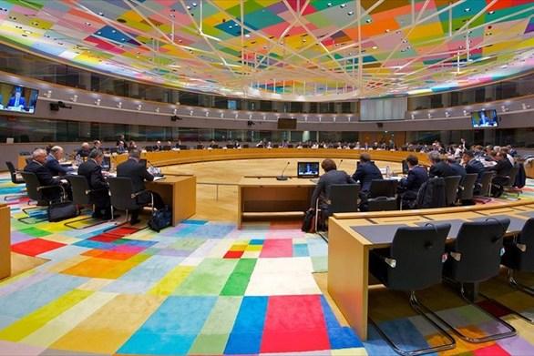 Συνεδριάζει σήμερα το Eurogroup - Στο επίκεντρο η κόντρα με την Ιταλία