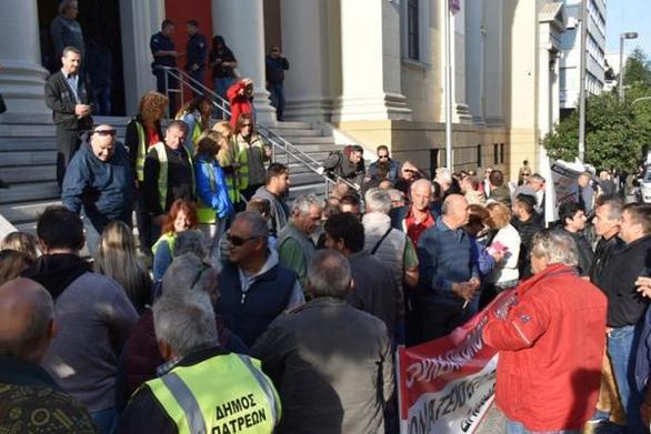 Πάτρα: Άρνηση στην παράταση των συμβάσεων των εργαζομένων του Κοινωφελούς