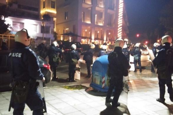 Αγρίνιο: Πέτρες από κουκουλοφόρους σε διμοιρίες των ΜΑΤ