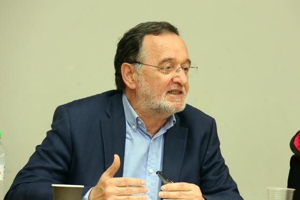 """Π. Λαφαζάνης: """"Αναγκαίο ένα κίνημα «κίτρινων γιλέκων» με ελληνική σφραγίδα"""""""